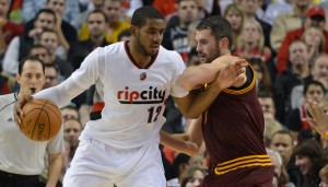 Kevin Love guarding LaMarcus Aldridge